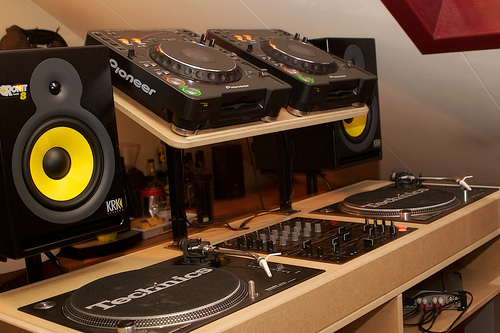 dj booth studio beat equipment speakers making setup office controllers furniture guide visit february music production desk